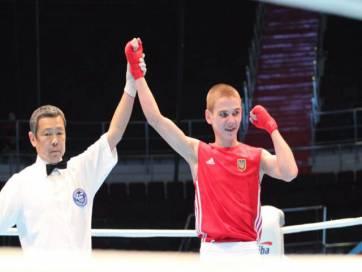 Олег Чулячеєв пройшов у чвертьфінал Чемпіонату світу з боксу