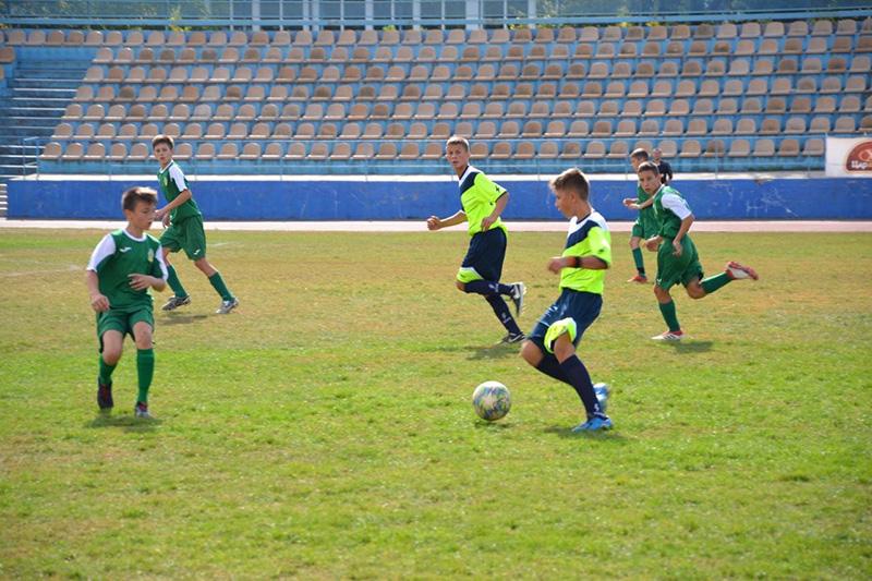 yuni futbolisti1