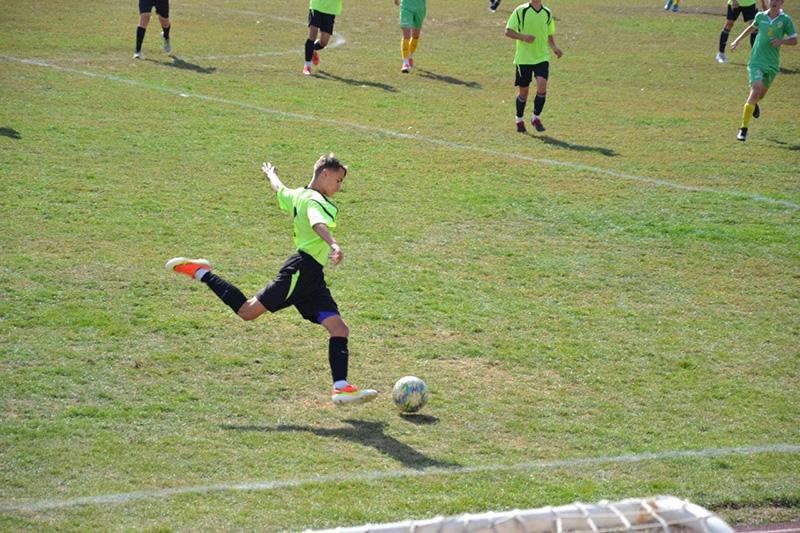 yuni futbolisti2