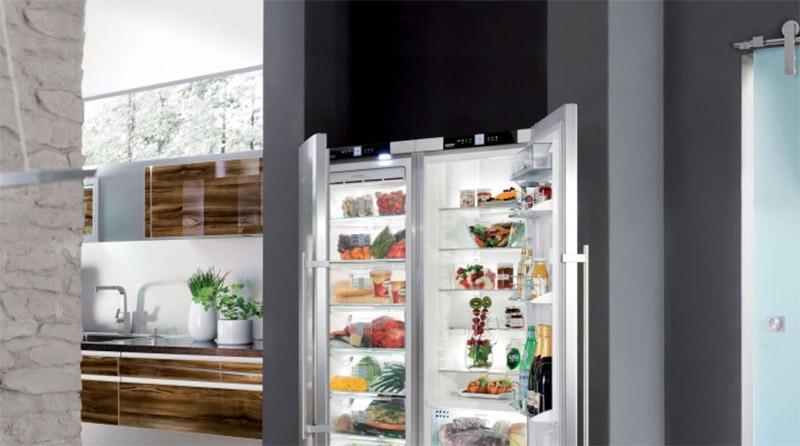Двухдверные холодильники AEG