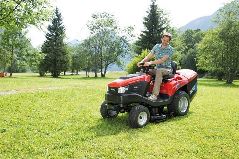 Трактор газонокосилка (райдер)