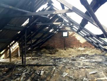 В Бердичівському районі, смт. Гришківці горіла покрівля будівлі