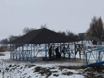 Місток та альтанка таки прикрасили зону відпочинку у Гришківцях на Бердичівщині