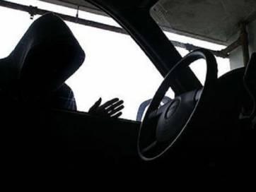 У Бердичеві викрали автомобіль, залишений біля будинку на ніч